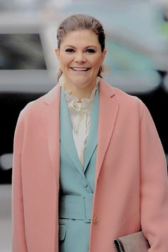 """crownprincesses: """" Crown Princess Victoria accompanied by Catherine,The Duchess of Cambridge, Prince William, The Duke of Cambridge and Prince Daniel visit the Karolinska Institute to meet with..."""