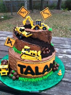 Construction Themed Birthday Cake: If your boy has an obsession with tractors, this would be great birthday cake for him. Construction Party Ideas for Kids Themed Birthday Cakes, 3rd Birthday Parties, Birthday Fun, Birthday Ideas, Digger Birthday, Tractor Birthday, Birthday Banners, Third Birthday, 1st Birthdays