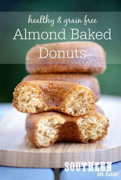 With just four ingredients these Healthy Almond Baked Donuts could not be easier! They are also low fat (with no added butter or oil!) gluten free clean eating friendly refined sugar free paleo grain free low carb and absolutely delicious! Healthy Donuts, Healthy Baking, Healthy Desserts, Healthy Recipes, Vegan Baking, Delicious Donuts, Vegetarian Recipes, Delicious Recipes, Protein Donuts