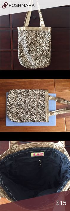 "Leopard print tote Leopard print tote. New without tag. Size: 11""14"" Bags Totes"