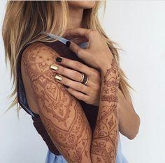 Taken from @auroradreaming IG. Henna sleeve.