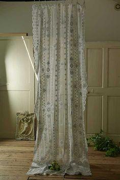 アンティーク チュールレースカーテン(コーネリー刺繍)   French Vintage Lace Curtain