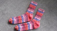 Handgestrickte Socken aus Strumpfwolle
