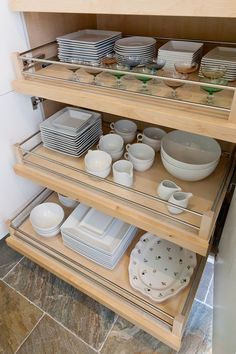 Drawer solutions for your crockery Kitchen Pantry Storage, Kitchen Storage Solutions, Kitchen Drawers, Kitchen Cabinets, Pull Out Cabinet Drawers, Kitchen Interior, Kitchen Decor, Crockery Cabinet, Kitchen Triangle