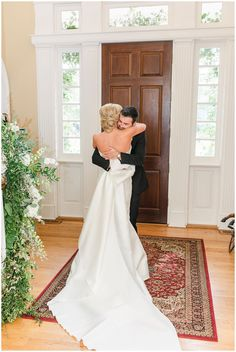 Blue and white hometown estate wedding overlooking a lake by Meredith Ryncarz Photography. #southernwedding #estatewedding Spring Wedding Centerpieces, Summer Wedding Decorations, Winter Wedding Colors, Wedding Photography Poses, Wedding Poses, Wedding Ideas, Bridal Tips, Wedding Exits, Wedding Planning