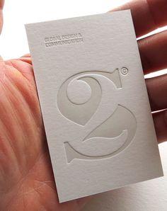 Le weekend arrive bientôt ! Pour vous faire patienter nous avons sélectionné une série de cartes de visite étonnantes avec l'utilisation de la technique letterpress.
