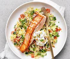 Lax med tabbouleh och valnötscrème | Recept ICA.se Fish Recipes, Seafood Recipes, Vegetarian Recipes, Healthy Recipes, Healthy Cooking, Healthy Eating, Cooking Recipes, Enjoy Your Meal, Food Porn