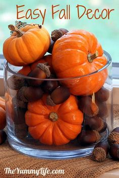 autumn decorations for the home - spray with shellac to preserve and gloss. Use nuts, deco pumpkins, pinecones to dress up small places like a bathroom.