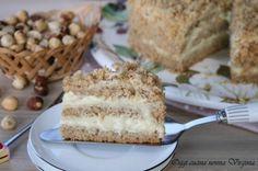 Quando avete voglia di un dolce goloso una fettina di torta nocciole farcita con una crema alla vaniglia a cui è difficile resistere può essere la soluzione