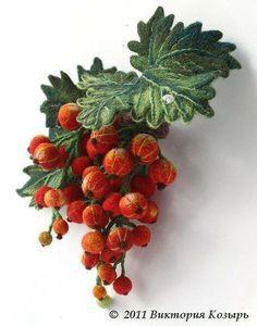 Photo: This gorgeous stumpwork berry brooch is by Victoria Trump http://www.livemaster.ru/item/61143-ukrasheniya-brosh-krasnaya-smorodina