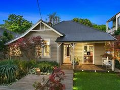 desire to inspire - desiretoinspire.net So typically Australian cottage, but would be at home anywhere near the beach