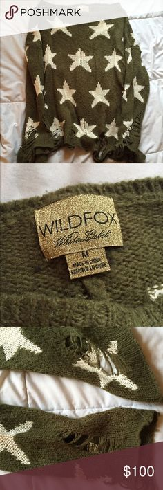 WILDFOX seeing stars lenon sweater Green sweater size medium with an oversized fit Wildfox Sweaters