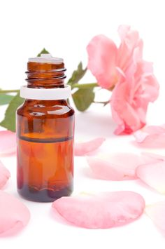 Who doesn't love roses and their stunning aroma? When it comes to beauty, health, and romance, many have experienced the benefits of roses. Be Natural, Natural Oils, Natural Health, Homemade Beauty Recipes, Homemade Beauty Products, Rose Essential Oil, Natural Essential Oils, Flaky Skin, Rose Oil