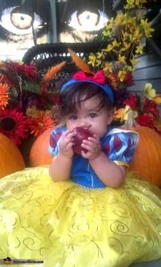 My future baby will definitely dress up as Snow White..