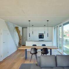 Wohn- und Essbereich: moderne Wohnzimmer von Möhring Architekten