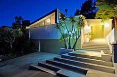 This design by Palmer + Krisel was once the home of Sandra Dee and Bobby Darin
