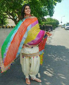 @kulwinderkaur Punjabi Girls, Punjabi Dress, Pakistani Girl, Saree Dress, Pakistani Dresses, Indian Dresses, Indian Outfits, Patiala Suit Designs, Saree Blouse Designs