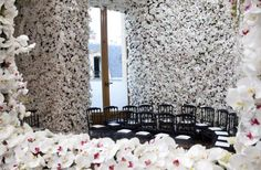 Flower Walls for Dior show- mind bendingly gorgeous! If only I had millions of dollars to spend on flowers...