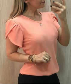 High Quality 4 Color Plain T Shirt Women Polyester Elastic Basic T-Shirts Female Casual Tops Short Sleeve T-Shirt Women Sleeves Designs For Dresses, Plus Size Women's Tops, Moda Casual, Style Casual, Casual Tops, Casual Shirts, Summer Blouses, Summer Shirts, Blouse Designs