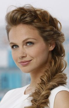 Transition Hair Look from day to Evening - Over the Shoulder Braid