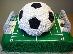 Ok, just saying, for our soccer banquet , I think there should be a big soccer cake. Soccer Theme Parties, Soccer Party, Party Themes, Party Ideas, Sweet 16 Birthday Cake, Birthday Cake Girls, Birthday Cakes, Birthday Ideas, Sport Cakes