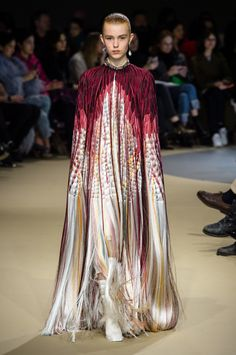 "e102572ef2c53 Colorful feather cape from the Summer Isles ""Alexander McQueen Fall Winter  2018 "" Autumn"