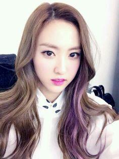 HaeRyung Gorgeous selca