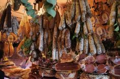 Campo de' Fiori: antica norcineria viola Roma Italia