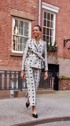 Power Dressing, Women Church Suits, Suits For Women, Casual Work Outfits, Work Casual, Business Outfit, Black Women Fashion, Elegant Outfit, Office Fashion