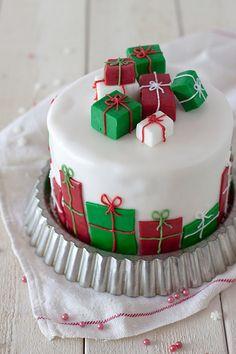 Joulun helppo lahjakakku « Leivontablogi Makeaa Non Alcoholic Drinks, Pretty Cakes, Dairy Free Recipes, Free Food, Food Porn, Desserts, Christmas Recipes, Cake Ideas, Beautiful Cakes