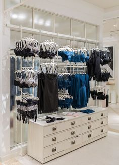 Choose best bra display stand cabinets for lingerie retail stores suppliers and best bra display stand manufacturers. Jova Display Furniture co. offers clients affordable modern shop furniture for jewelry watch,cosmetic,clothing and more. Boutique Chic, Boutique Lingerie, Boutique Decor, Boutique Interior, Shop Interior Design, Clothing Store Displays, Clothing Store Design, Boutique Store Displays, Lingerie Store Design