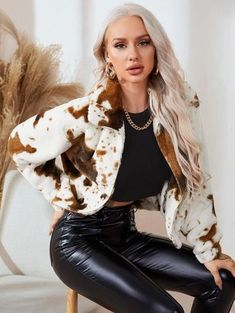 This white, black, and brown fuzzy jacket is just the statement piece for any outfit. Fall Fashion Outfits, Grunge Outfits, 90s Fashion, Autumn Fashion, Beach Outfits Women Vacation, Jackets For Women, Clothes For Women, Women's Jackets, Family Picture Outfits