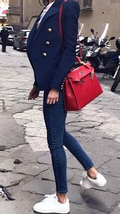 Glamorous Winter Outfits To Inspire You blue peaked lapel blazer and blue skinny jeans Classy Outfits, Stylish Outfits, Classy Jeans Outfit, Jeans Outfit For Work, Mode Outfits, Fashion Outfits, Spring Outfits, Winter Outfits, Look Blazer