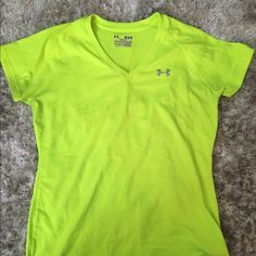 Under Armour tee Highlighter yellow and fits great on size medium.  Worn once! Under Armour Tops Tees - Short Sleeve