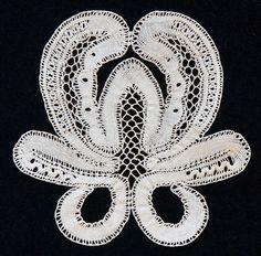 13c8e77b7 84 Best A lace in Wonderland images   Bobbin lace, Cakes, Bobbin ...