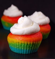 Rainbow Cupcakes...will do these for K's bday!