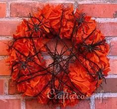DIY Tutorial DIY Halloween Decor DIY Halloween Crafts / DIY Halloween Nevermore Wreath - Bead&Cord