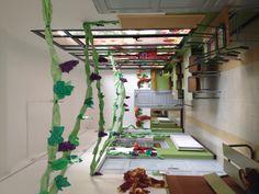 La nostra vinya Vides, Loft, Classroom, Centre, Furniture, Home Decor, Fall, School Projects, School Decorations