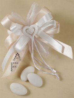Confezionare bomboniere matrimonio fai da te. Idee online IDEE BOMBONIERE MATRIMONIO - Ingrosso Vendita Online | Guerrini Marriage, Weddings, Home, Fimo, Valentines Day Weddings, Wedding, Mariage, Casamento