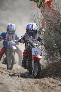 Kids doing the Desert 100 race in WA