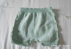 Paso a paso: pantalón corto de bebé… | Lana de Rosas Knitting For Kids, Baby Knitting, Knitted Baby Clothes, Baby Pants, Baby Sewing, Kids And Parenting, Baby Dress, Boho Shorts, New Baby Products