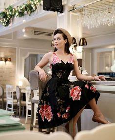 Magnifique robe pin up année 50 idée quelle robe rockabilly belle femme