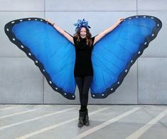 DIY Butterfly Wings: 18 Steps (with Pictures) How To Make Butterfly, Butterfly Crafts, Blue Butterfly, Morpho Butterfly, Butterfly Party, Butterfly Birthday, Butterfly Wings Costume, Butterfly Halloween, Social Butterfly Costume