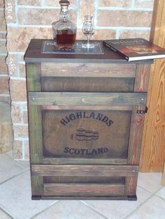 shabby alte frachtkiste couchtisch holzkiste truhe tisch vintage whisky wohnen truhen. Black Bedroom Furniture Sets. Home Design Ideas