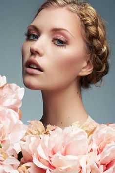 Blossoming Beauty Photoshoots - Photographer Jeff Tse Embraces the Cherry Blossom Season (GALLERY) # Beauty photoshoot Blossoming Beauty Photoshoots Jeff Tse Beauty Make-up, Beauty Shoot, Bridal Beauty, Bridal Makeup, Wedding Makeup, Bridal Hair, Beauty Hacks, Hair Beauty, Bridal Shoot