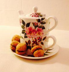 Tea time at Biscotti & Co with Baci di dama!