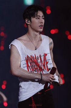 KIM HANBIN ~ never forget u Don't forget me ~ everything about me Kim Hanbin Ikon, Ikon Kpop, Ikon Leader, Winner Ikon, Ikon Debut, Ikon Wallpaper, Red Aesthetic, K Idol, Boyfriends