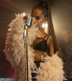 Ariana Grande Background, Ariana Grande Concert, Manado, Ariana Video, Pop Singers, Beautiful Person, Celebs, Celebrities, Selena Gomez