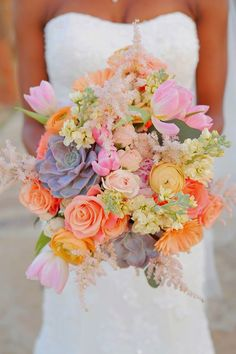 Best Wedding Bouquets of 2014 ~ Photography by Gema,  La Tee Da Flowers | bellethemagazine.com