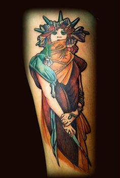 My Medea on my upper leg, done at Sin66 Apeldoorn, the Netherlands. Original painting by Alphonse Mucha.